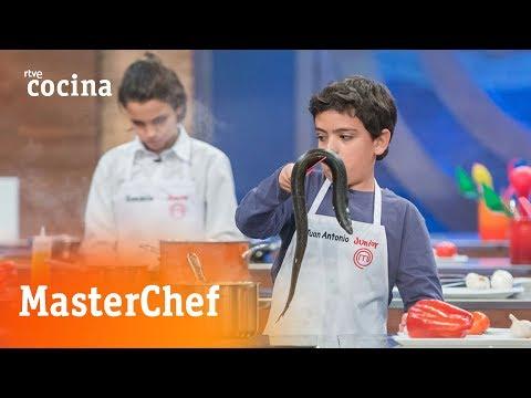 MasterChef Junior 5: Juan Antonio contra la anguila #Programa2 | RTVE Cocina