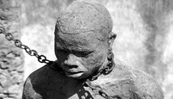 Esclavo usado como herramienta