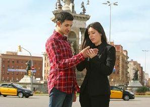 Asistente humano ayuda a sordociego
